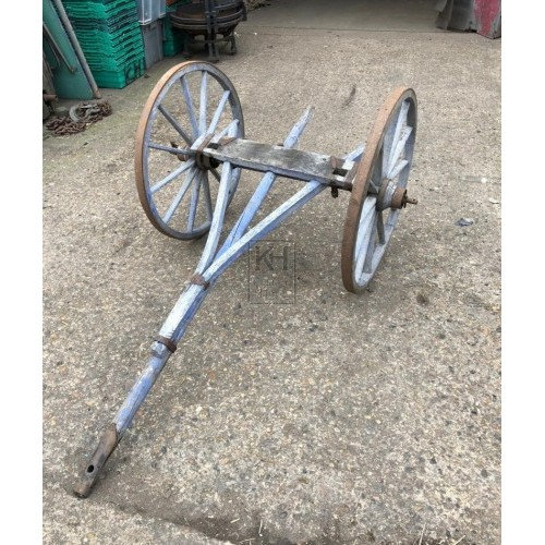 Painted cart axle with wheels & handle