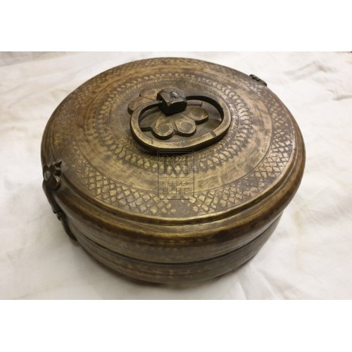 Round brass container with lid