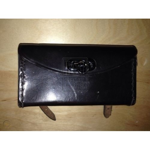 Leather saddle wallet