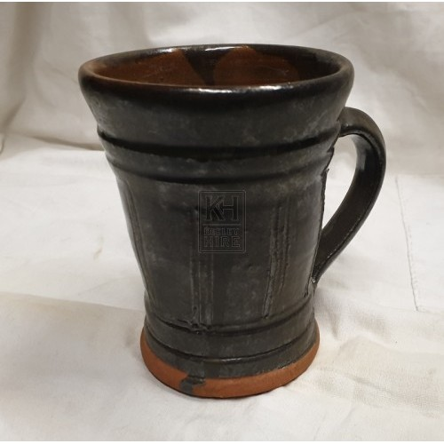 Black ceramic tankard