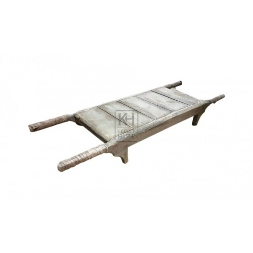 Wood stretcher with leather handles