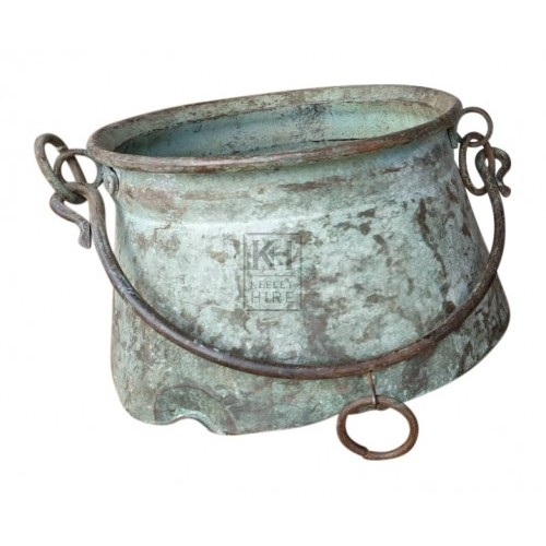 Aged copper cooking pot with handle