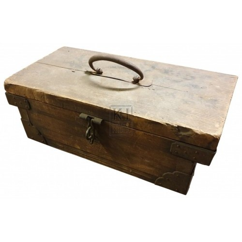 Small wood box with handle