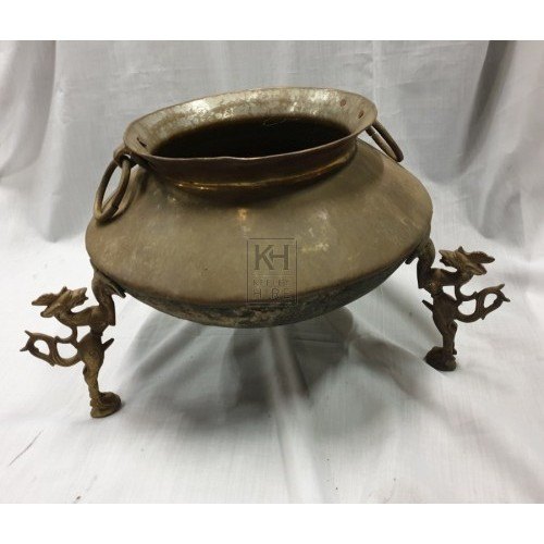 Shaped brass bowl with lions