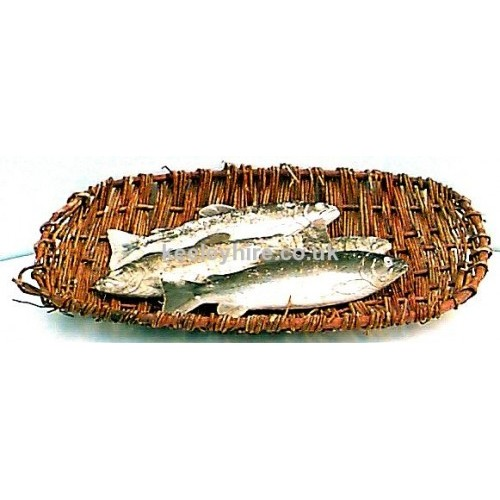 Flat oval wicker fish basket
