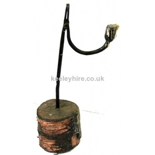 Single iron candle holder