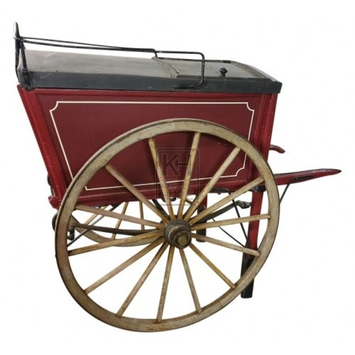 Red Victorian Pickles & Sons cart