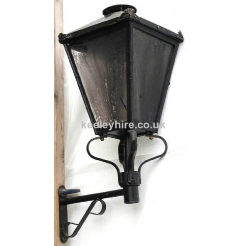 Wall Mounted Street Lamps : Prop Hire Lamp-posts & Street Lighting Wall Mounted Street Light #4 - Keeley Hire