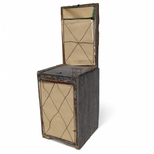Newspaper crate stand with lid
