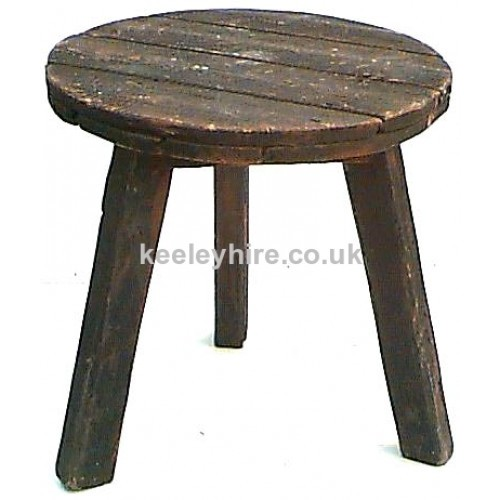 Round wood table - light