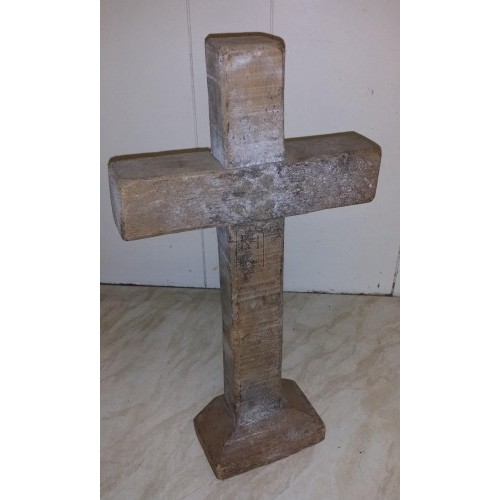 Small wood cross