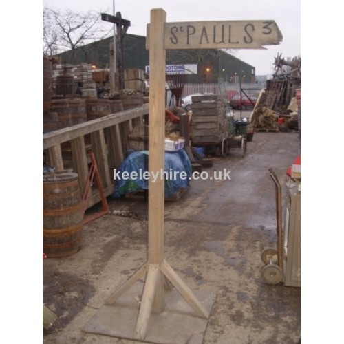 Free Standing St Pauls Sign Post