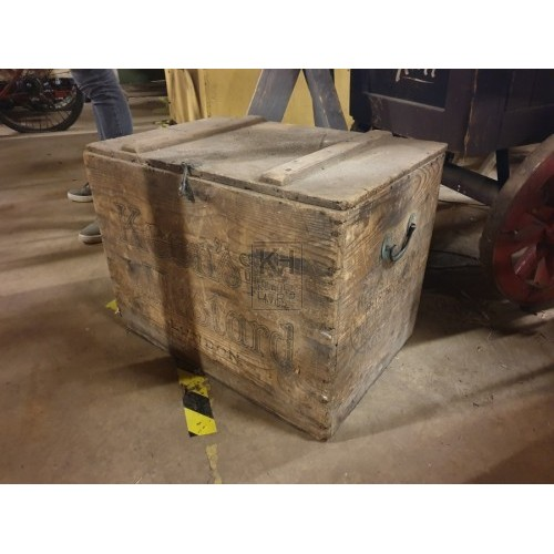 Wood provisions crate