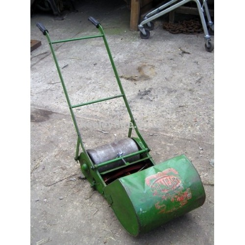 Roller Lawn Mower with grass box