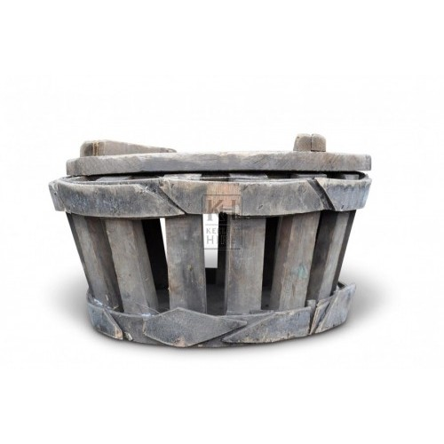 Round Slatted Wooden Crates