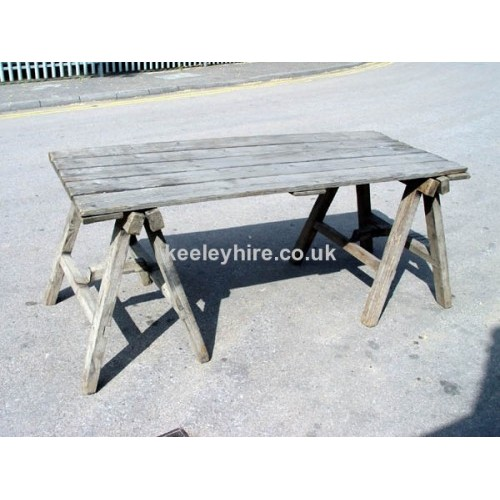 Table top & 2 trestles