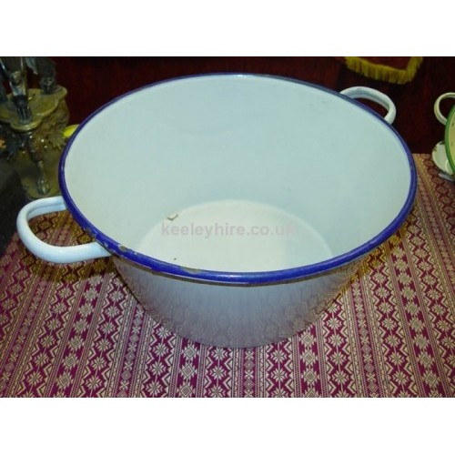 Enamel bowl with handles