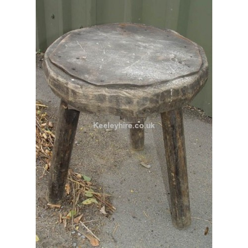 Round wood stool with leather top