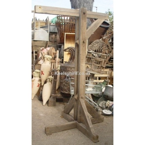 Short floorstanding wood gibbet post