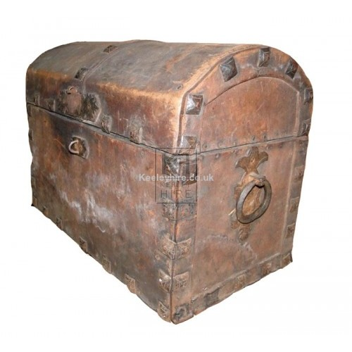 Medium dome studded leather chest