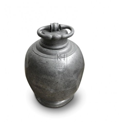 Bulbuos Pewter flask