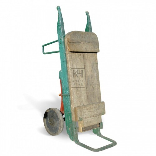 Green Wooden Sack Barrow no6