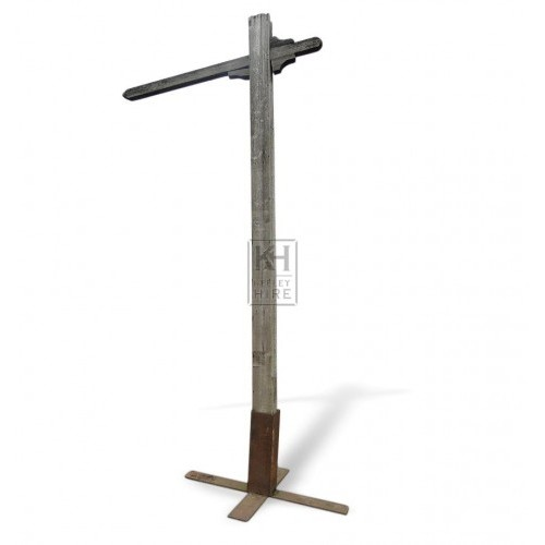 Freestanding Gibbet Post & iron base