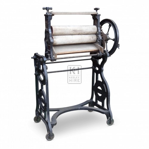 Black Period Mangle