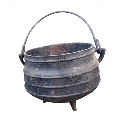 Ribbed Cauldron