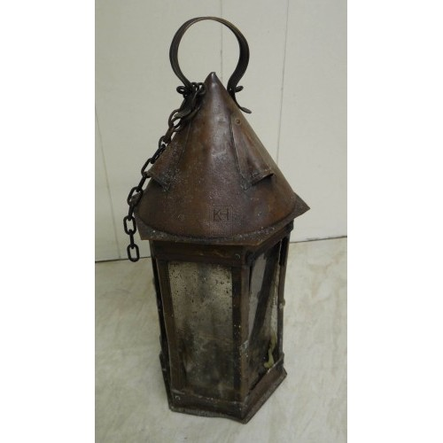 Pointed top lantern