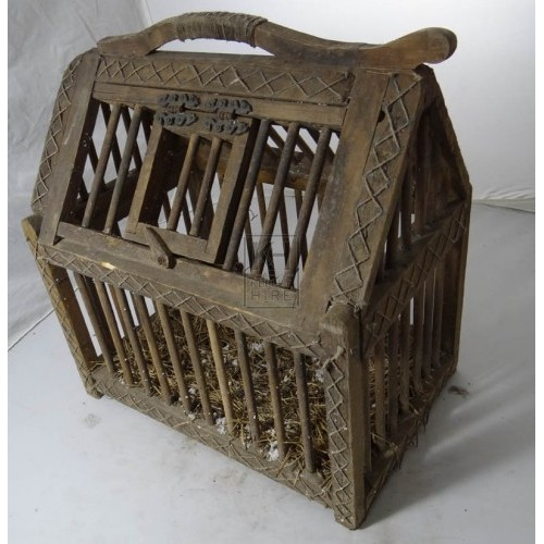 Wood chicken cage with handle