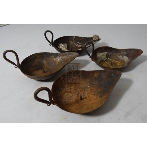 Simple iron oil burners