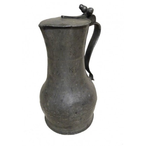 Pewter jug with flat lid