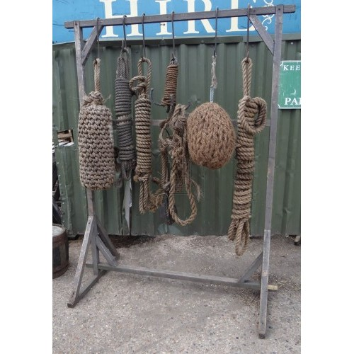 FS wood rack with rope & fenders