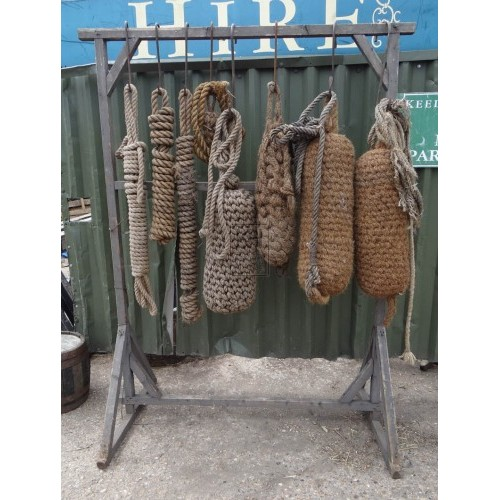 FS wood rack with fenders & rope