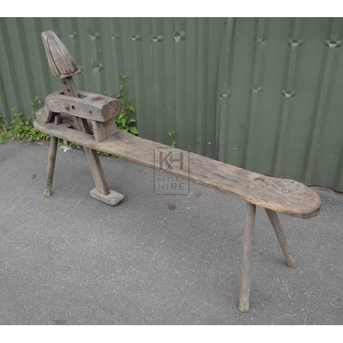 Harness makers trestle