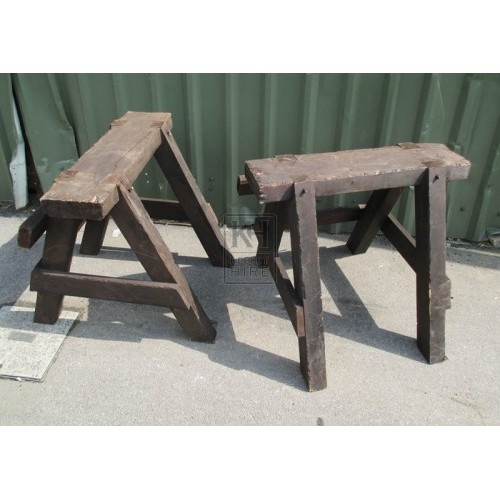 Thick single wood trestle