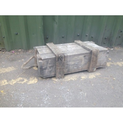 Small wood crate with rope handle
