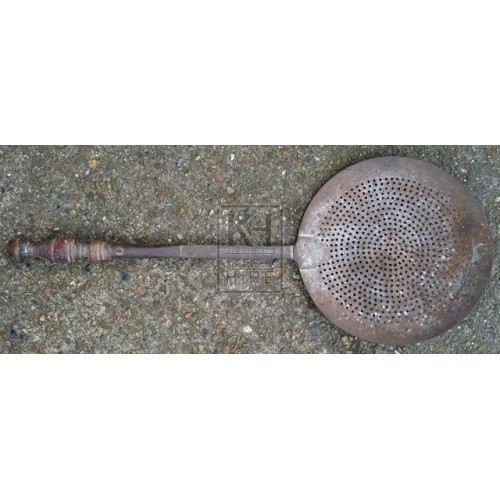 Large strainer with wood handle