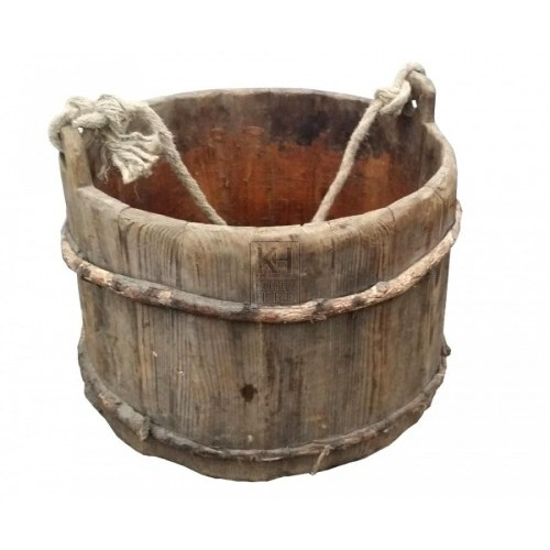 Lightweight wood bucket