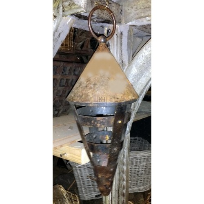 Iron pointed lantern