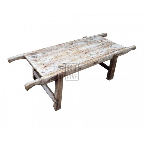 Low wood stretcher table