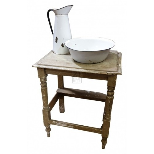 Rough wash stand with bowl & jug