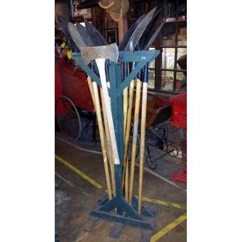Freestanding shovel display