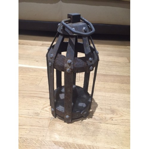 Round Thick Barred Lantern