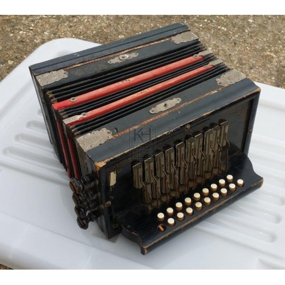 Period accordion