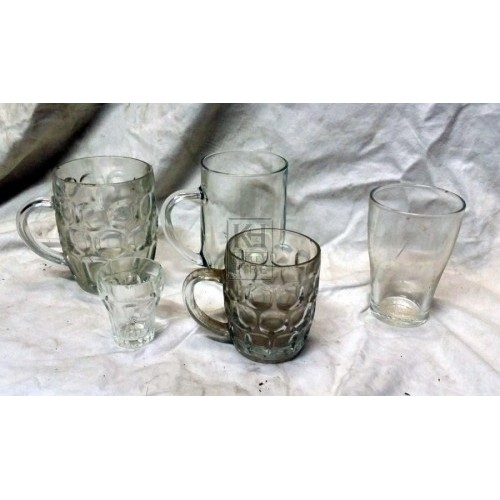 Bar dressing - glasses & tankards