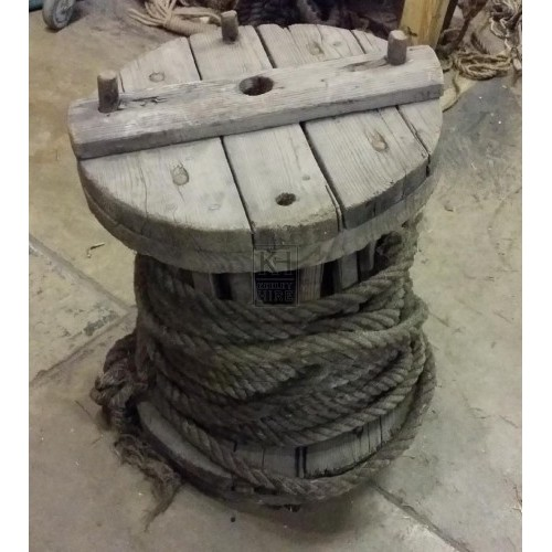 Large wood reel with rope