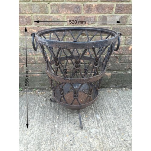 Shaped medium knotted brazier