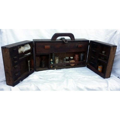 Doctors box with handle